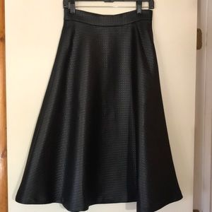 New Banana republic full textured skirt with sheen